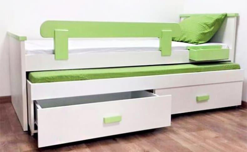 מיטת ילדים נפתחת