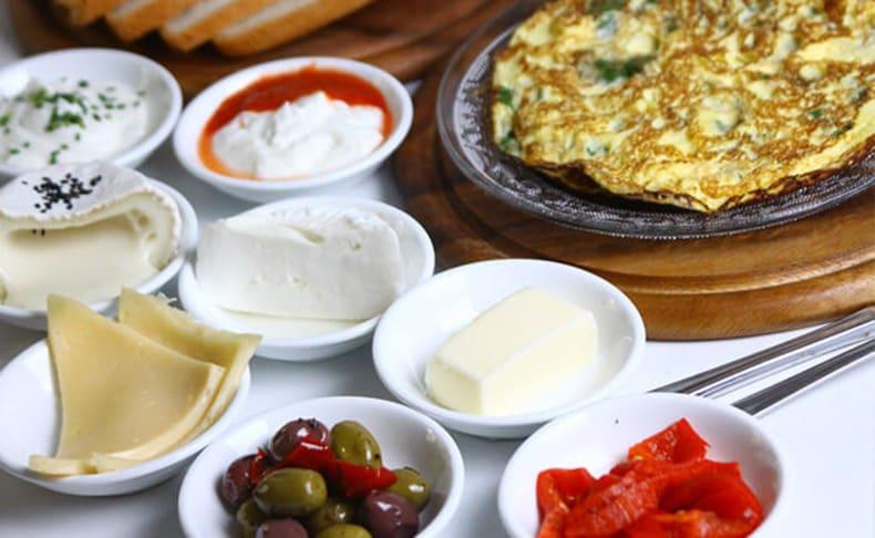 ארוחת בוקר זוגית בהרצליה פיתוח