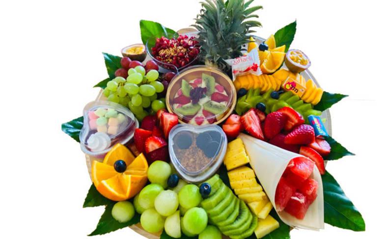 מגשי פירות וסושי מתוק מבייקפרי