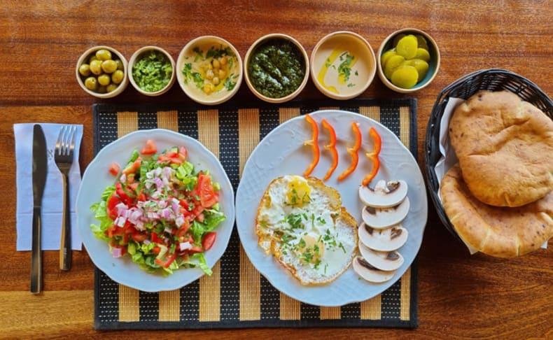 ארוחת בוקר זוגית בחומוס דובאי